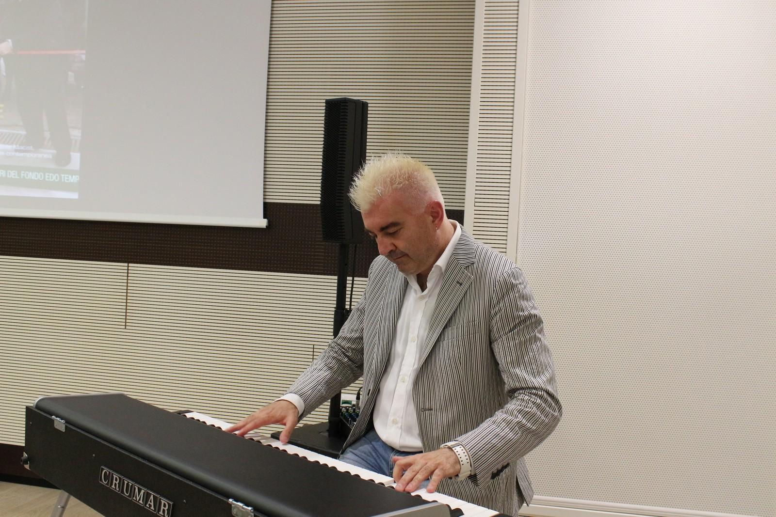 Il musicista Max Tempia alla premiazione della VI edizione del Concorso GIM paladino di un sogno del Fondo Edo Tempia